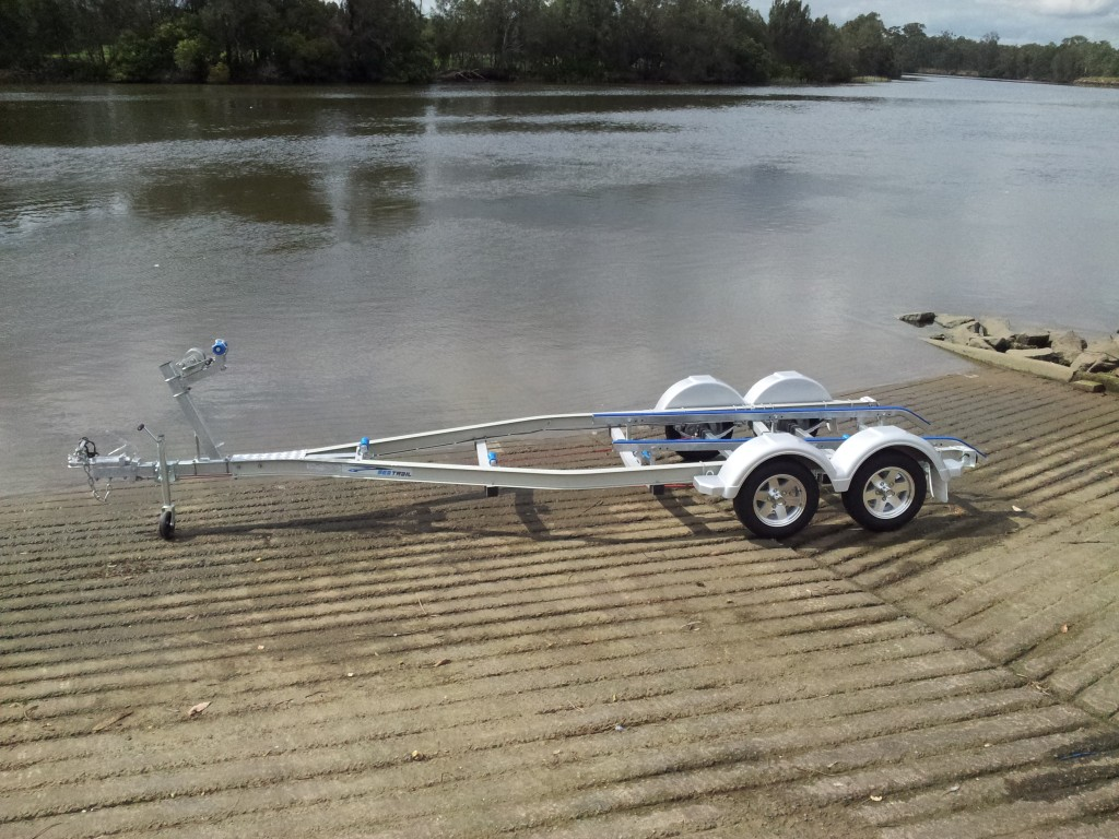 how to clean aluminum boat trailer